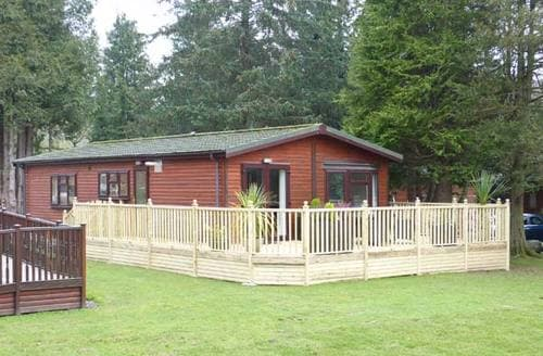 Last Minute Cottages - Happy Days Lodge