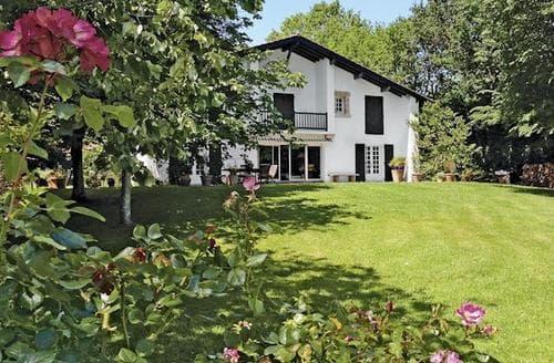 Last Minute Cottages - Beautiful St Jean De Luz Cottage S119386