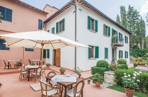 Last Minute Cottages - Villa Claudia