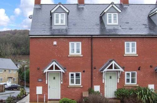 Last Minute Cottages - Quaint Dursley Terrace S2431
