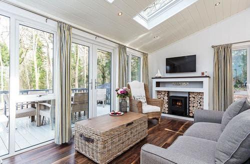 Big Cottages - Superb Wootton Bridge Lodge S120717