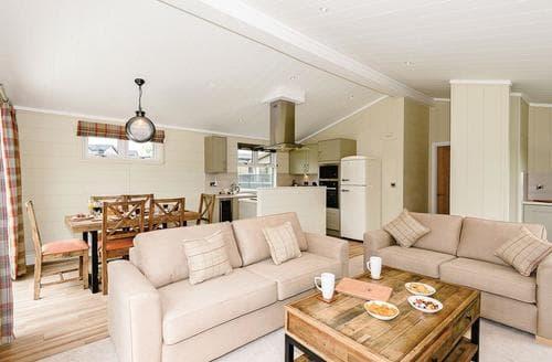 Big Cottages - Tasteful Greystoke Lodge S120746