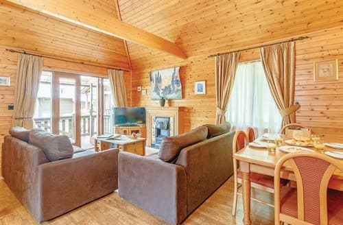 Big Cottages - Exquisite Tilford Lodge S120869