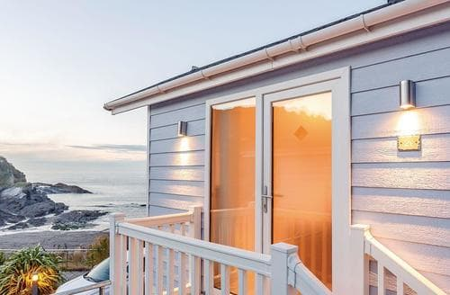 Last Minute Cottages - Attractive Hele Bay Lodge S120909