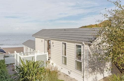Last Minute Cottages - Stunning Hele Bay Lodge S120942