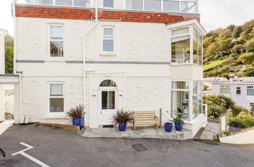 Last Minute Cottages - Inviting Hele Bay Lodge S120944