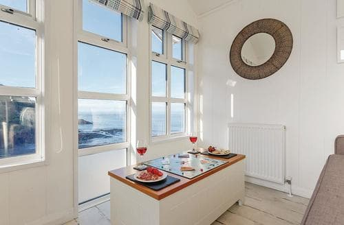 Last Minute Cottages - Adorable Hele Bay Lodge S120956