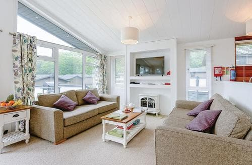 Last Minute Cottages - Cosy Wootton Lodge S120993