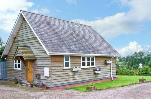 Last Minute Cottages - Beautiful Ludlow Lodge S2440