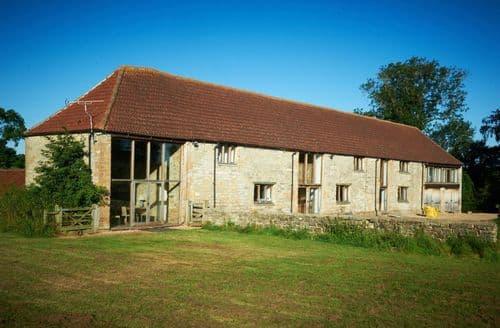 Big Cottages - Mudford Manor Barn S121223