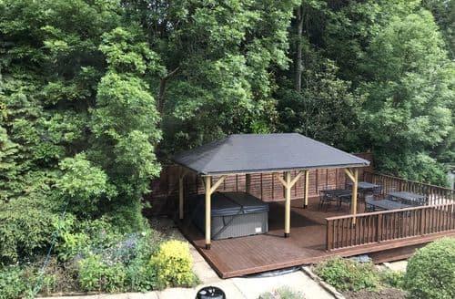 Last Minute Cottages - Woodsome Lodge S100566