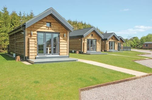 Last Minute Cottages - Charming Annan Lodge S121665