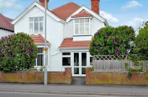 Last Minute Cottages - Captivating Skegness Cottage S121920