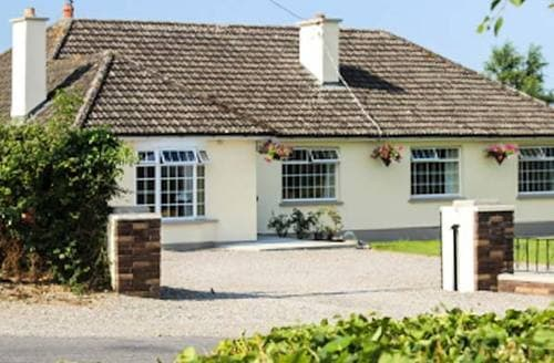 Last Minute Cottages - Ashview House
