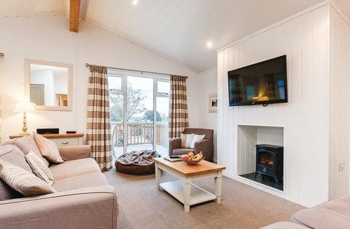 Last Minute Cottages - Lovely Cheddar Lodge S122438