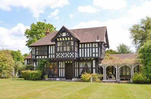 Last Minute Cottages - Wonderful Ashford Lodge S13530