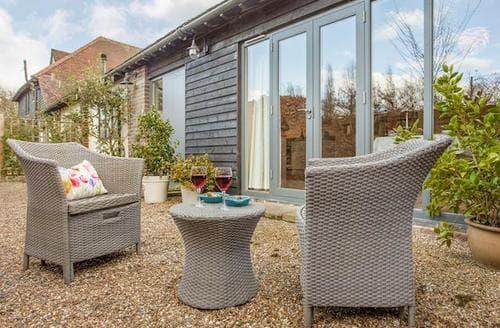 Last Minute Cottages - Adorable Tunbridge Wells Cottage S89056