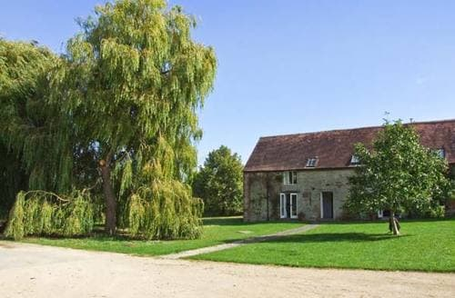 Last Minute Cottages - Charming Stratford Upon Avon Barn S2472