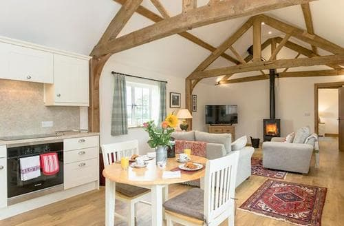 Last Minute Cottages - Stunning Royal Wootton Bassett Cottage S84110
