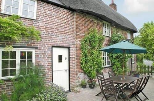Last Minute Cottages - Delightful Westbury Cottage S13761