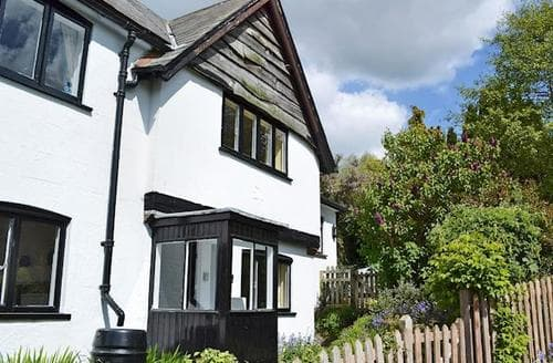 Last Minute Cottages - Quaint Arundel Cottage S13778