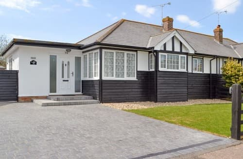 Last Minute Cottages - Luxury Arundel Cottage S92946