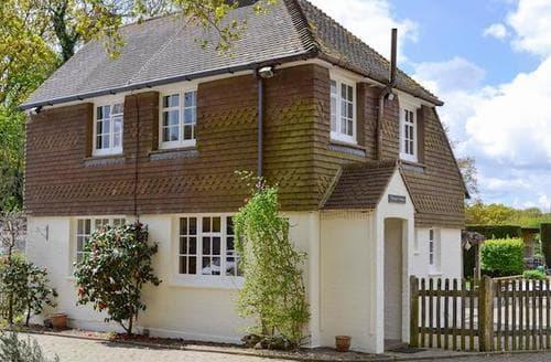 Last Minute Cottages - Luxury Battle Cottage S81028