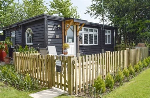 Last Minute Cottages - Superb Chichester Cottage S101042