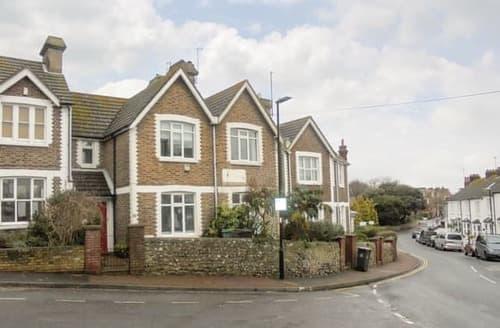 Last Minute Cottages - Charming Eastbourne Cottage S114425