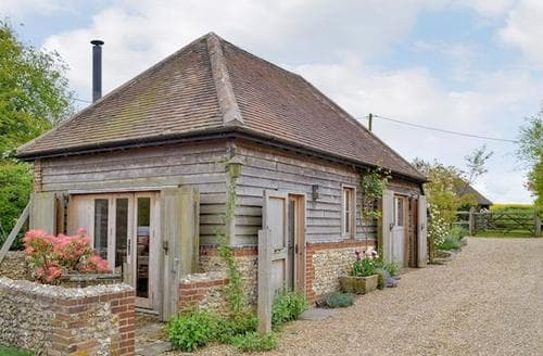 Last Minute Cottages - Lovely East Meon Cottage S14090