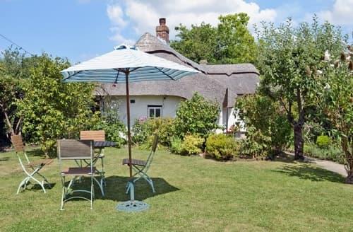 Last Minute Cottages - Beautiful Lymington Cottage S14112