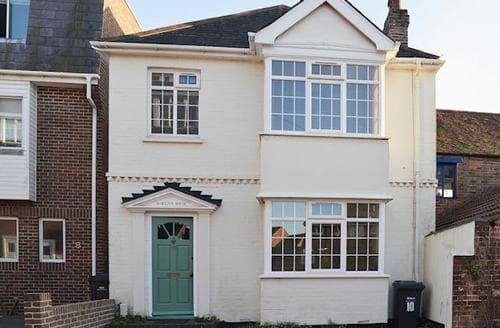 Last Minute Cottages - Wonderful Portsmouth Cottage S72615