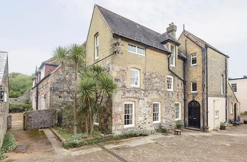 Big Cottages - Superb Brighstone Cottage S14177