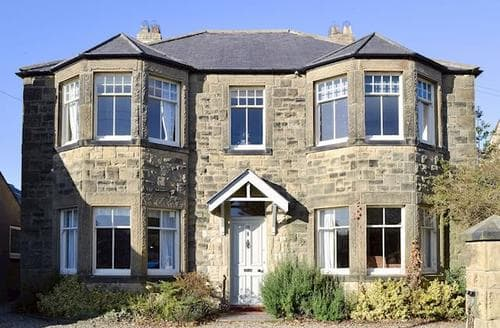 Big Cottages - Beautiful Craster Cottage S88415
