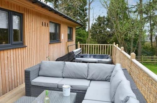 Big Cottages - Adorable Otterburn Lodge S100789