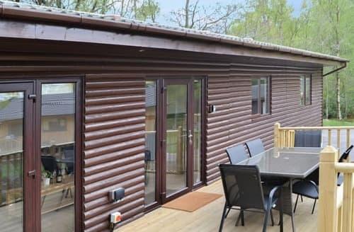 Big Cottages - Tasteful Otterburn Lodge S101053