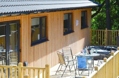 Big Cottages - Quaint Otterburn Lodge S105267