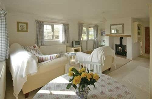 Last Minute Cottages - Superb Around Llanduno & Coast Lodge S26845