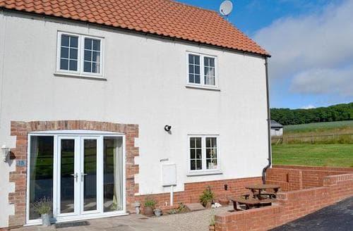 Big Cottages - Captivating Bridlington Cottage S77193