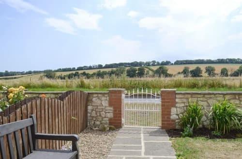 Last Minute Cottages - Beautiful Bridlington Cottage S113819
