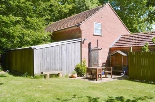 Last Minute Cottages - Captivating Driffield Apartment S14892