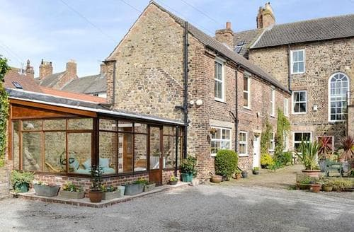 Last Minute Cottages - Luxury Bedale Cottage S50108
