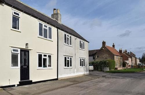 Last Minute Cottages - Beautiful Brompton Cottage S78286