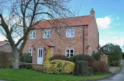 Big Cottages - Delightful Cayton Cottage S14996