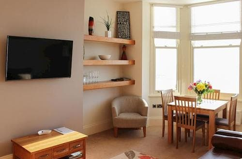 Last Minute Cottages - Cosy Filey Apartment S15080