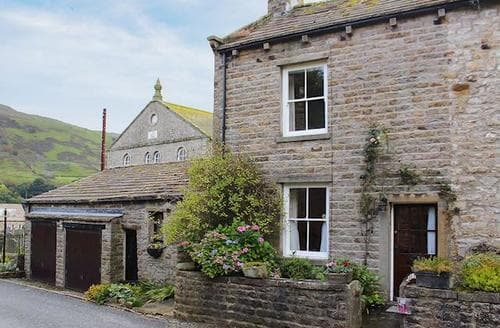 Last Minute Cottages - Inviting Muker Cottage S71535