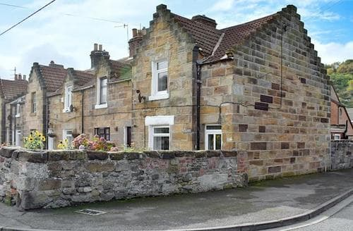 Last Minute Cottages - Attractive Saltburn By The Sea Cottage S72553