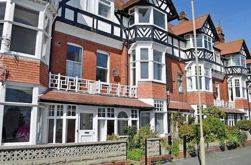 Big Cottages - Tasteful Scarborough Apartment S49752