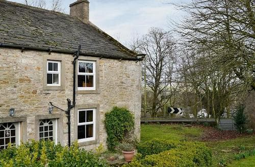 Big Cottages - Beautiful Skipton Cottage S15485