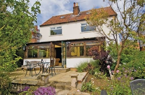 Last Minute Cottages - Inviting Whitby Cottage S15553